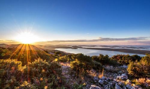 Vrana Lake Lookout Spot, photo credits: Milan Mišo Lakić